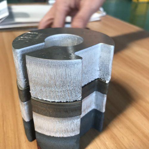 ผลงานการตัดเลเซอร์ แบบหนา 40 มิลลิเมตร สำหรับใช้ตัดเหล็ก อลูมิเนียม สแตนเลส