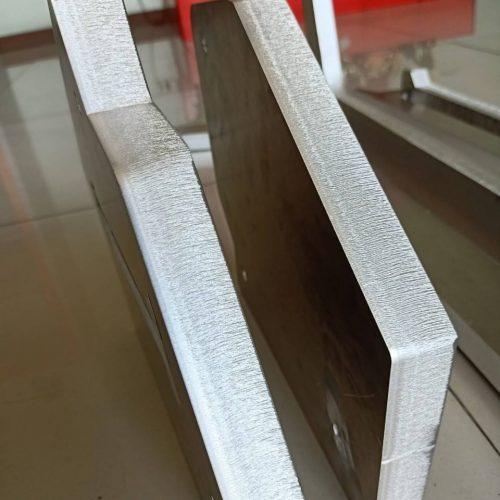 งานตัดอลูมิเนียม ความหนา 25 มิลลิเมตร ตัดตามแบบ และเจาะรูตามจุดที่กำหนด